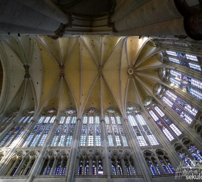 Sklepienie katedry św. Piotra w Beauvais